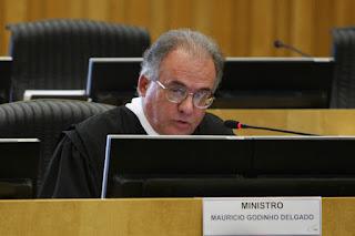 Reforma vai tirar direitos, afirma ministro do TST