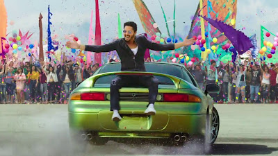 Shreyas Talpade With Car HD Wallpaper