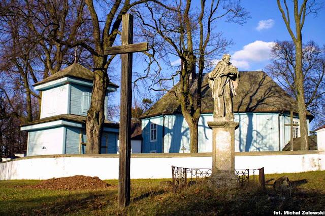 Szczyty-Dzięciołowo pow. bielski. Św. Jan Nepomucen przy cerkwi.