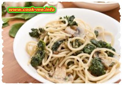 Spinach and mushrooms spaghetti