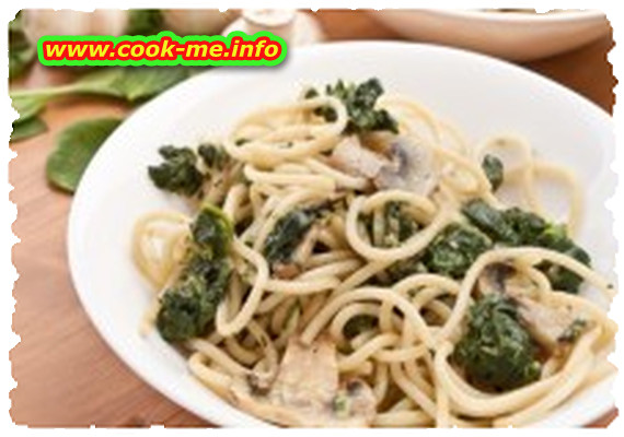 Spinach and mushrooms spaghetti