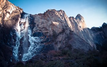 Wallpaper: Bridalveil Fall