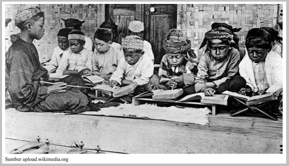 Perubahan masyarakat di bidang pendidikan pada masa penjajahan
