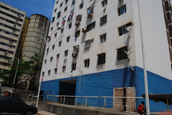 Niña de 2 años murió al caer de un elevador desde le piso 3 en Caraballeda