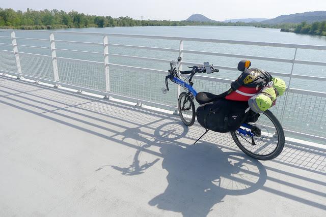 De Paris à Narbonne en vélo, pont sur l'Isère