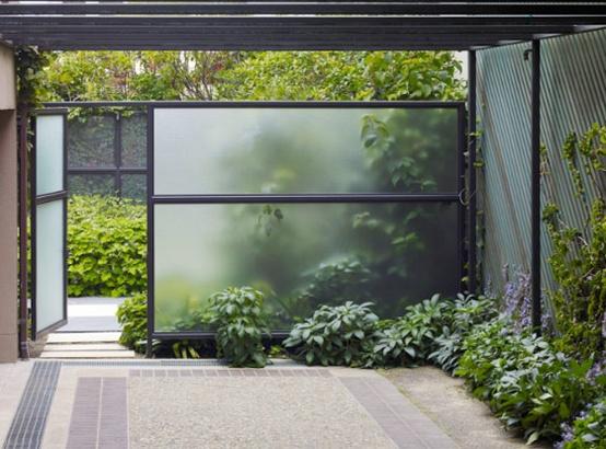 panouri intimitate terasa sticla sablata mata design curte mica proiect gard idei constructie gard modern