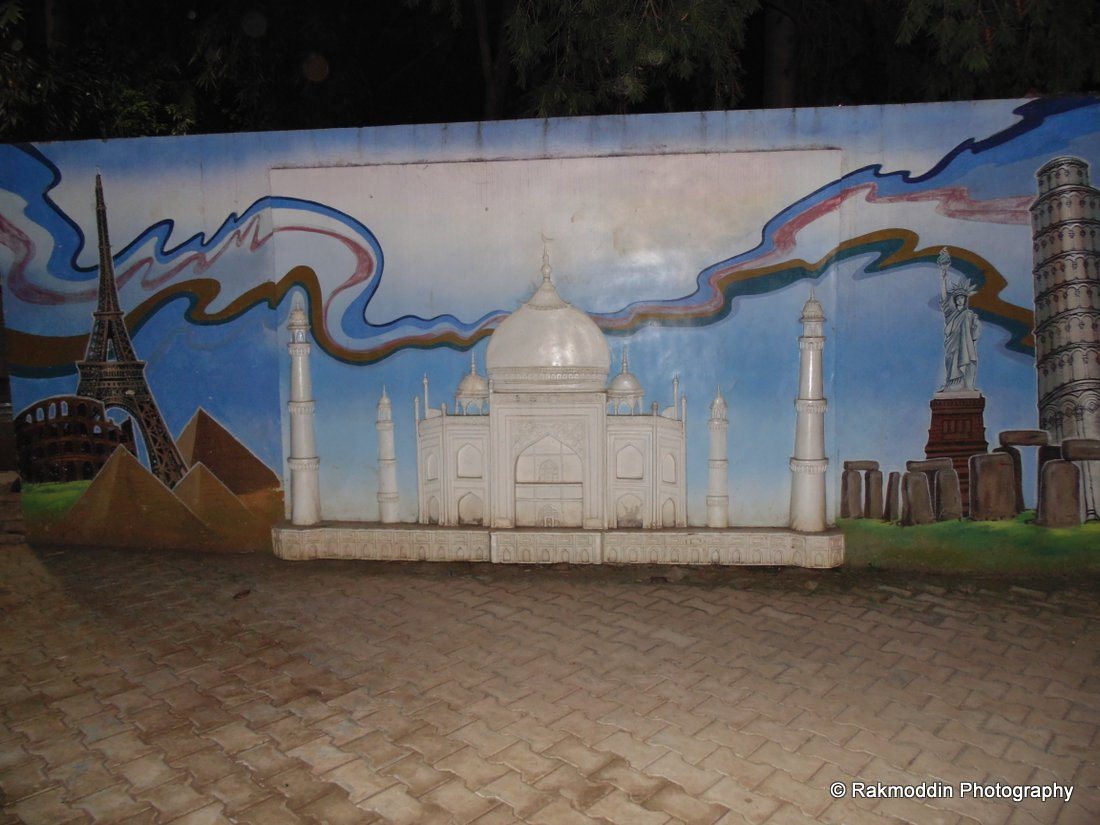 Seven Wonders of the world in Yashwantrao Park in Pune