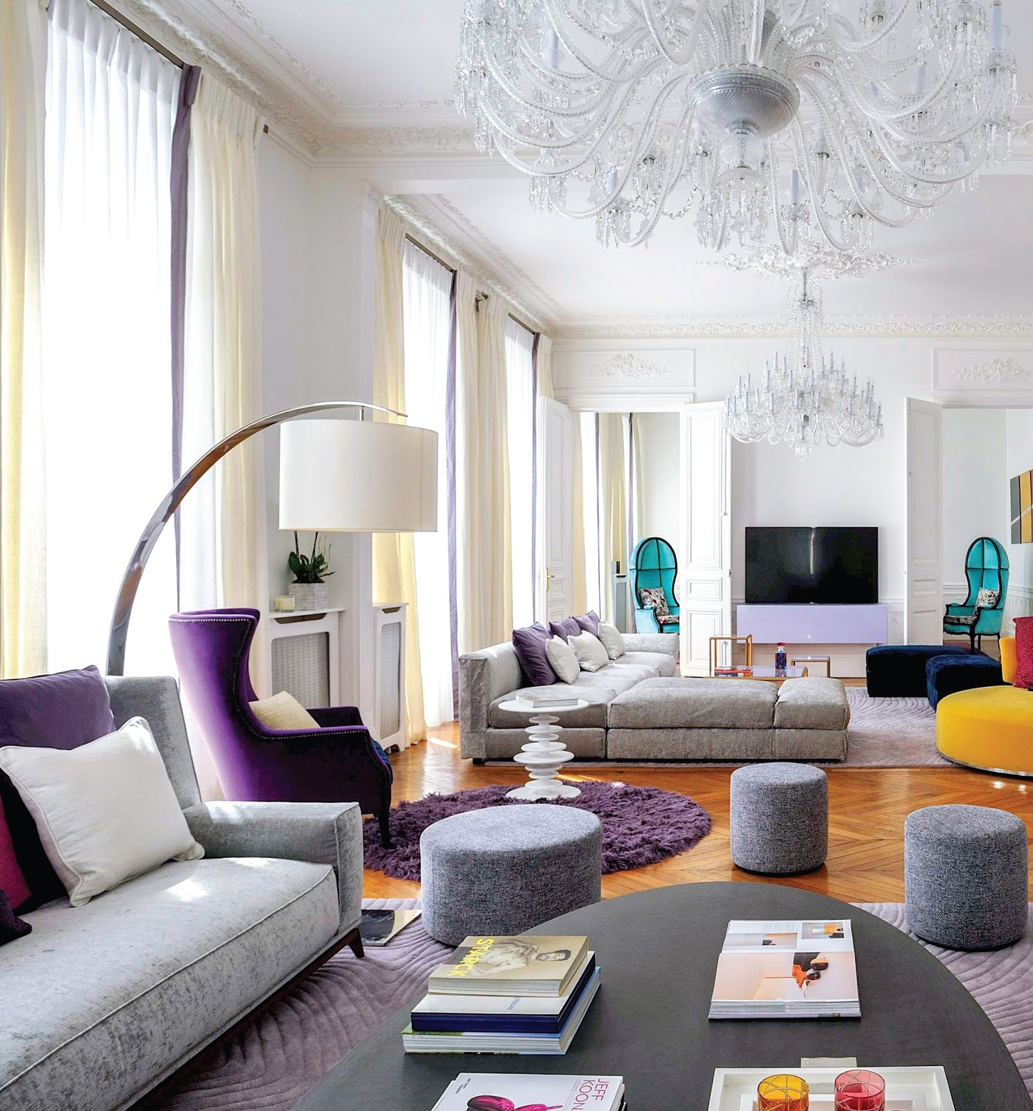 Trendsetter Interiors: Living Rooms With Modern-Classic Inspirations ...
