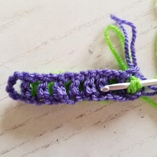 Intermeshing crochet tutorial for Window to the Whirl Blanket by Felted Button