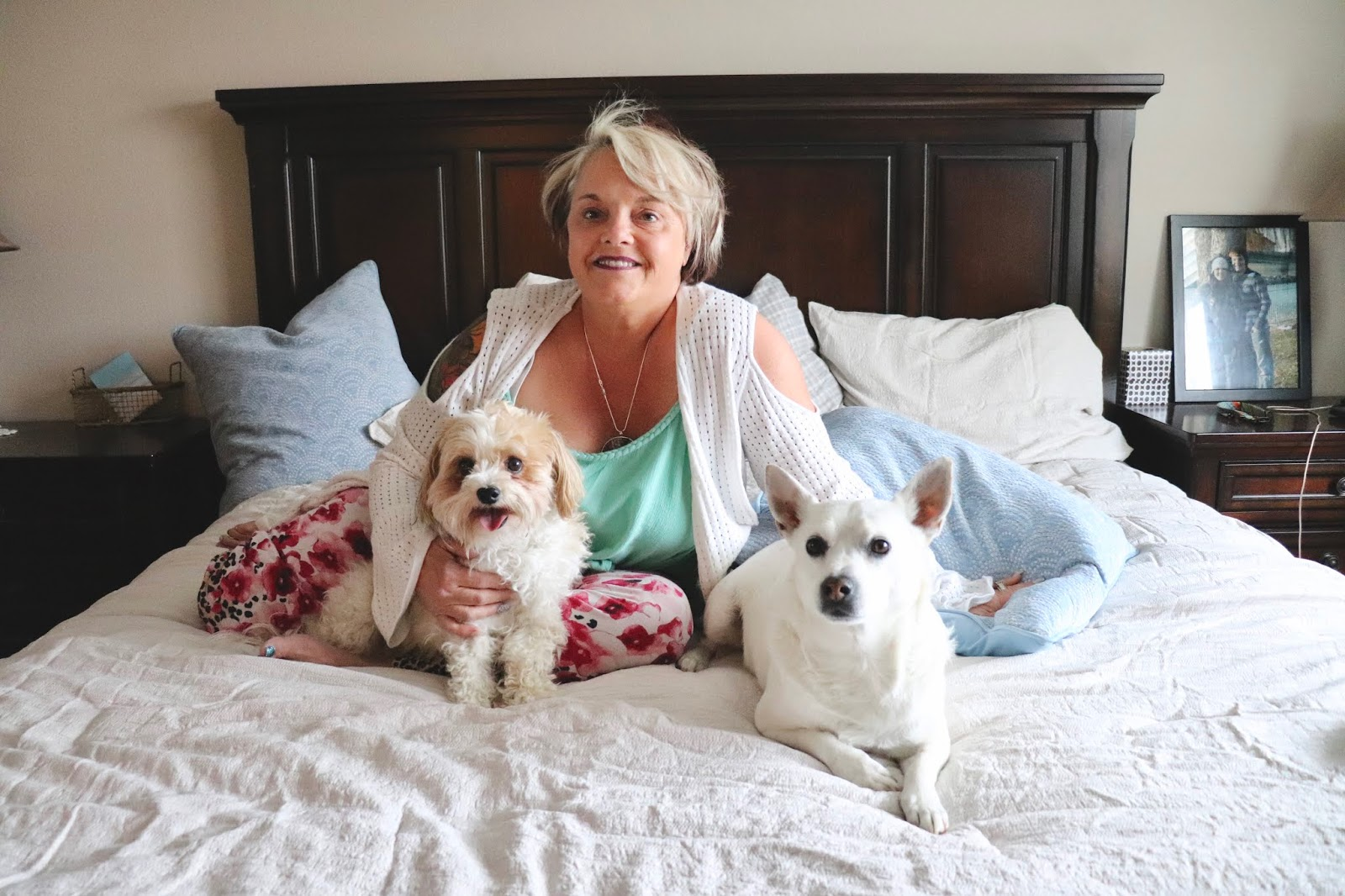 Chicago Plus Size Petite Fashion Blogger, YouTuber, and model Natalie Craig, of Natalie in the City, reviews Big Fig, the mattress made for a bigger figure, and shares how she bought the perfect mothers day gift!