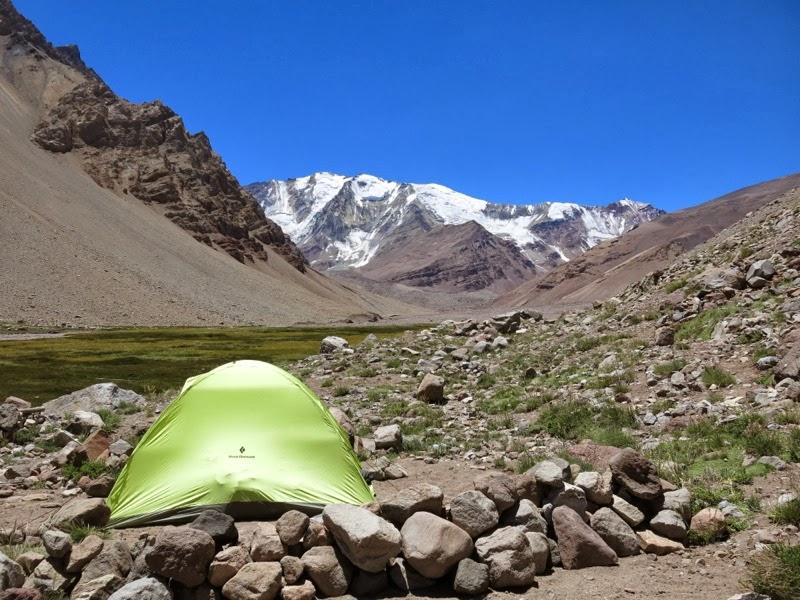 Mein Zelt vor der Sierra Bella