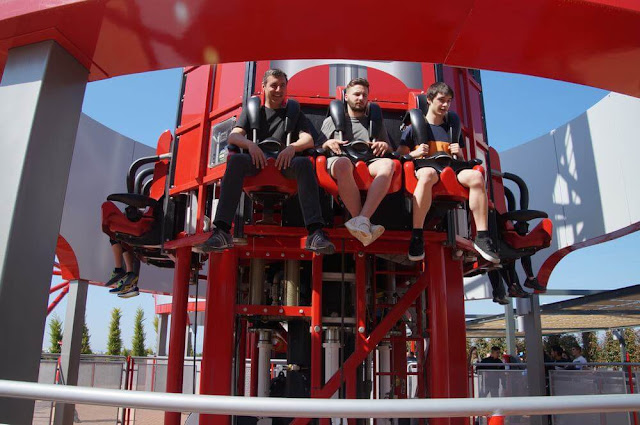 subiendo thrill towers de ferrari land