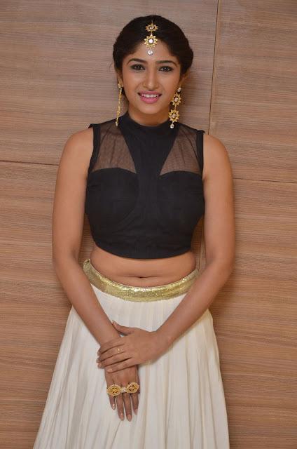 hot Roshini Prakash navel images