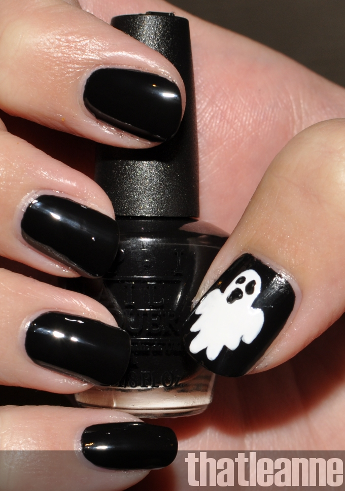 thatleanne: Glow in the dark ghost nail art for Halloween!
