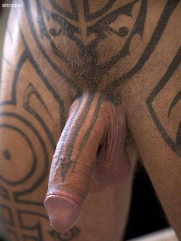 Sexy rasta nudist with a hot body