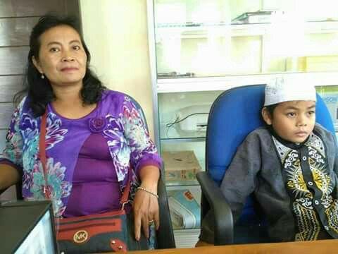 Allahu Akbar! Ayah dan Ibu Kristen, Anak 8 Tahun ini Kekeh Masuk Islam
