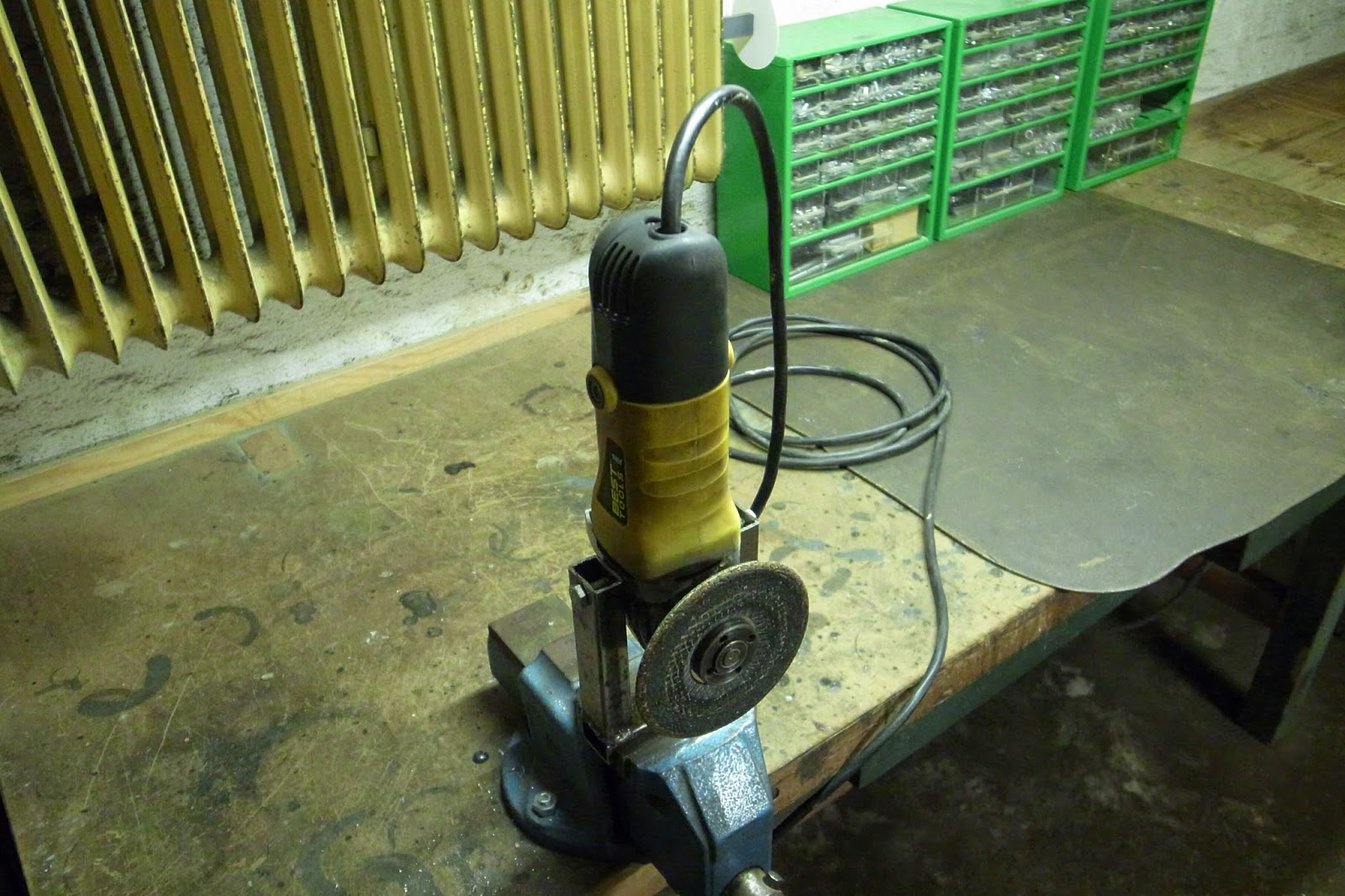 Homemade Tools Amp Aids Vice Mountable Angle Grinder