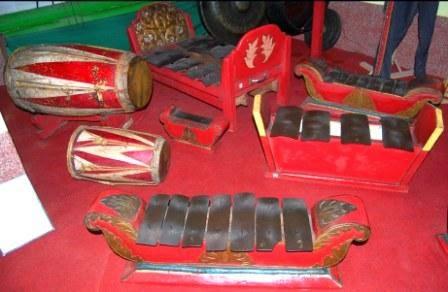 Alat musik tari, alat tradisional, alat musik menari