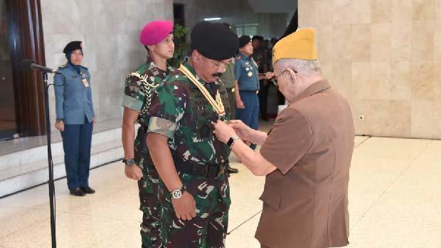 Tanda Kehormatan LVRI Simbol Tanggung Jawab Menjaga NKRI