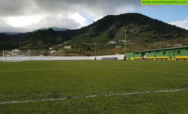 El Cabildo financia la iluminación del campo de fútbol de Puntallana y dos proyectos de mejora en Tenagua