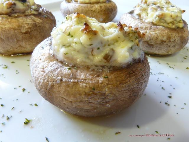 Xampinyons Farcits de Formatge, Champiñones rellenos de queso, cocina facil, cuina facil, l'essencia de la cuina, blog de cuina de la sonia, setas