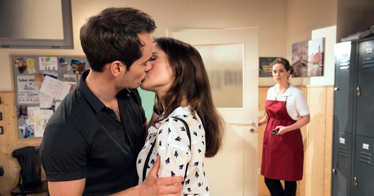 Tempesta D'Amore: Puntata n. 2545 - David bacia Clara e.. [Germania, 5 ottobre 2016]