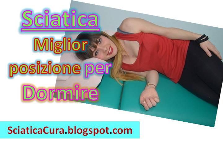 Come dormire con la sciatalgia posizioni che alleviano il mal di schiena bassa sciatica cura - Mal di schiena letto ...