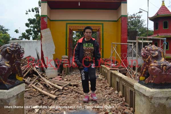 jelang imlek vihara dharma loka rusak diterjang banjir