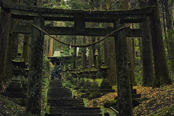 ศาลเจ้าคามิชิคิมิ คุมาโนะอิมาสุ (Kami-shikimi Kumano-imasu Shrine) @ www.hiveminer.com
