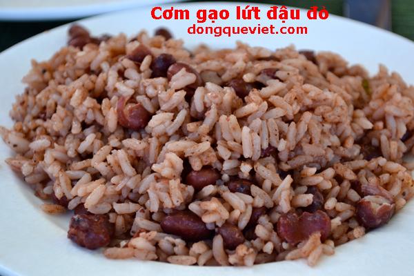 Cơm gạo lứt đậu đỏ giàu dinh dưỡng