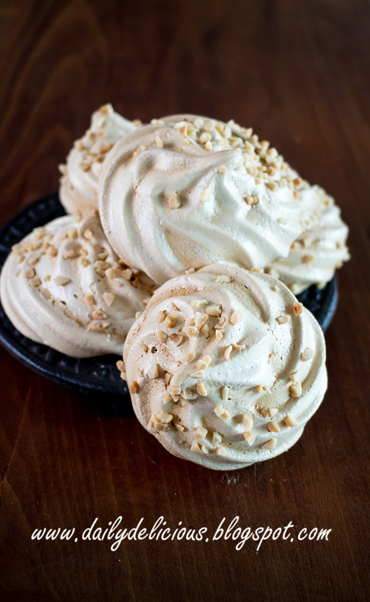 Coffee Meringues: So Simply but very delicious