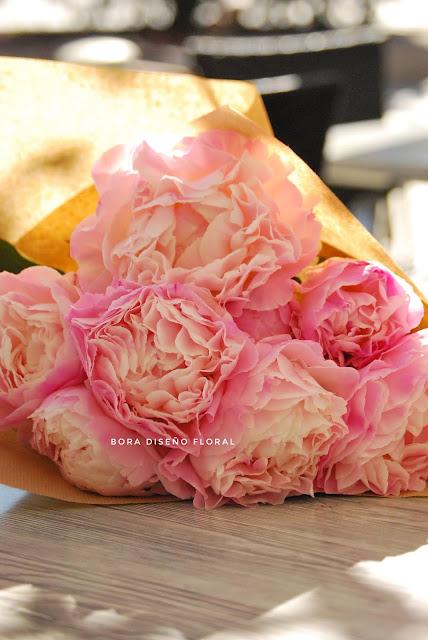 ramos de flores rosas rojas