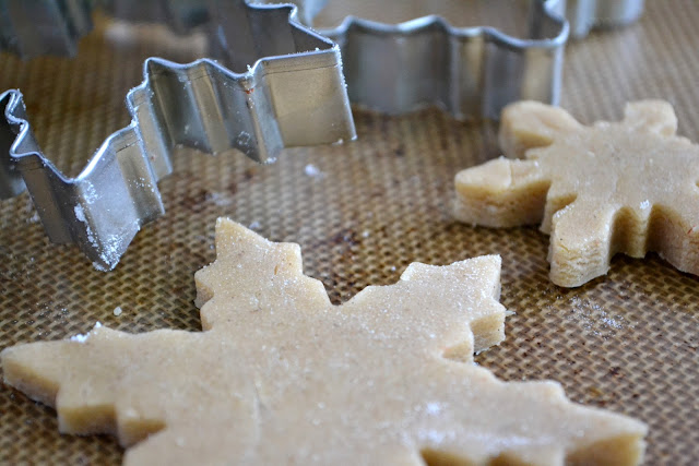 Speculoos spice cookies for rolling and cutting