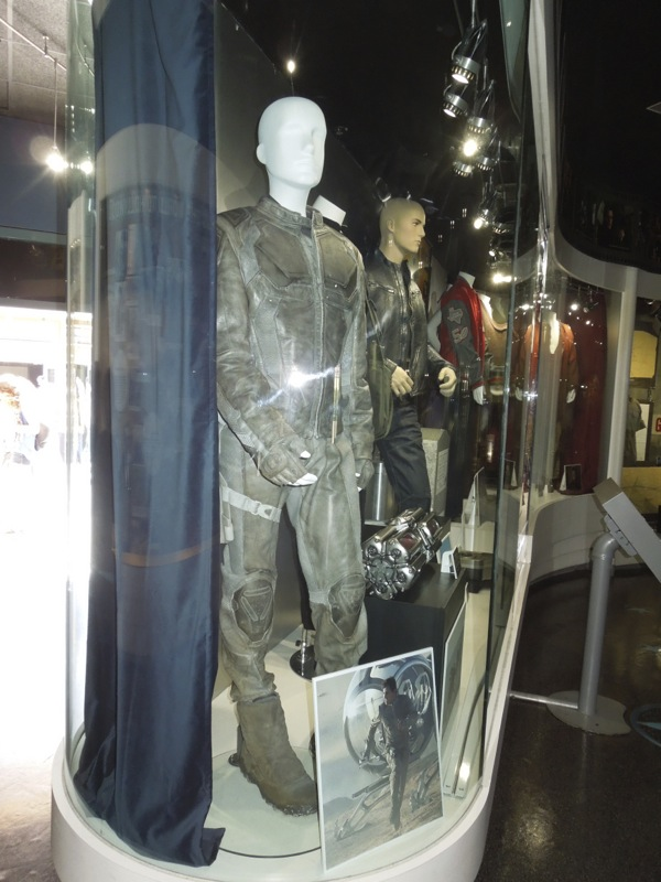 Tom Cruise Oblivion Jack film costume