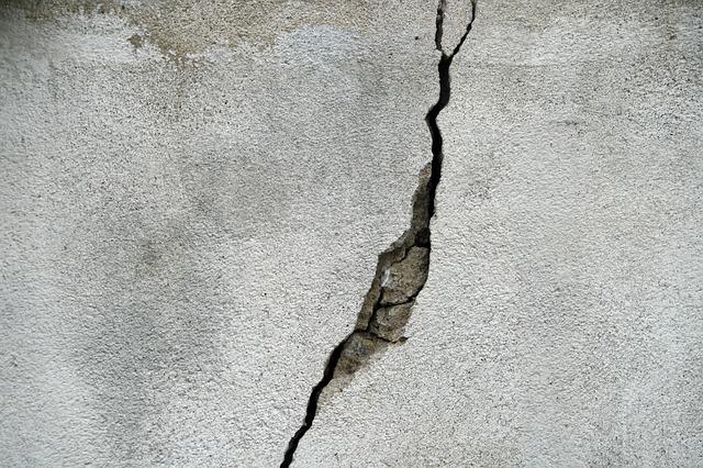 Rumah Anda Mengalami Retak Dinding? Mungkin Ini Penyebabnya
