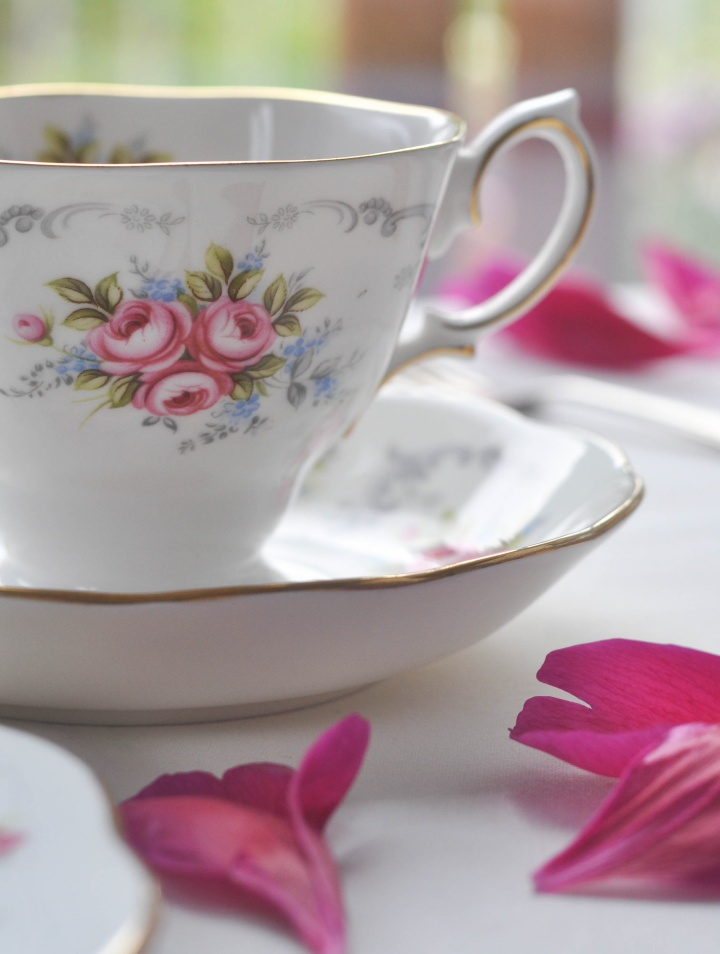 Vintage Porcellain for your Afternoon Tea