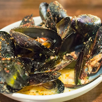 Mussels with bread crumbs
