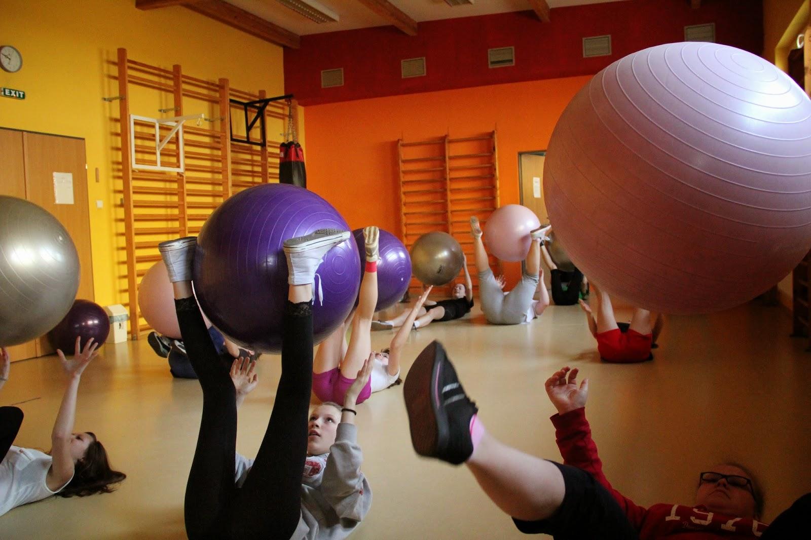Czy ćwiczenia z piłką pomagają schudnąć