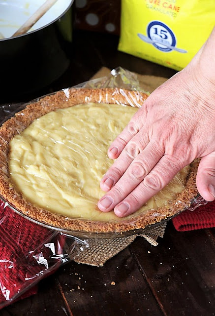 Covering Custard Pie to Prevent Formation of a Skin Image