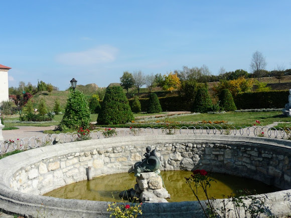 Золочев. Замок. Французский парк