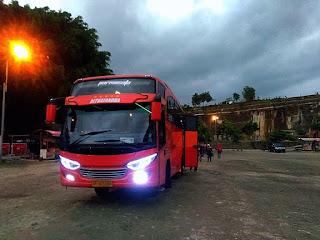 Paket Tour Wisata Tebing Breksi di Jogja