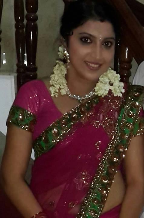 Malayalam Actress Hot Navel Show In Transparent Saree -8560