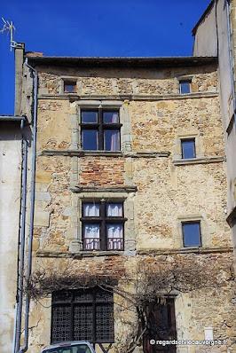 Sauxillanges , quartier Gothique/Renaissance la maison du Bailli