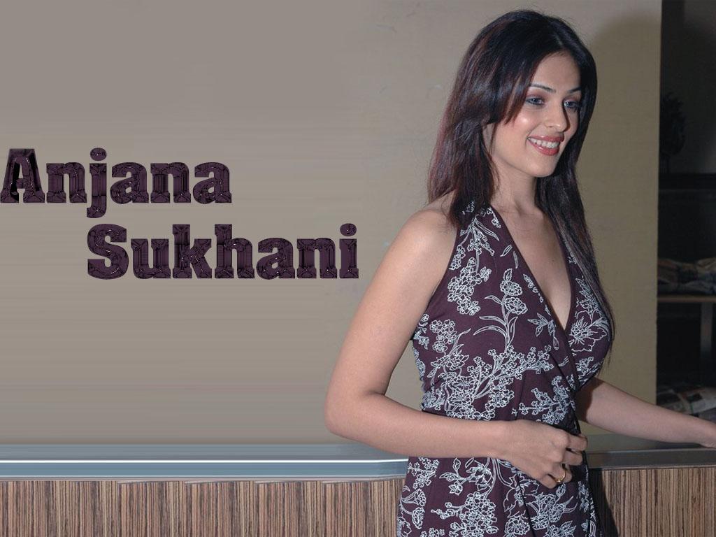 Anjana sukhani babuji dheere chalna song frm salaameishq - 4 2