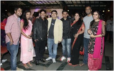 singer-Dinakar-wedding-reception-photos4