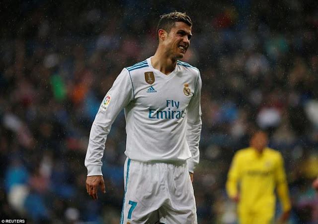 """Ronaldo cực đỉnh của """"chân gỗ"""": Kiệt quệ dứt điểm 11 ăn 0 5"""