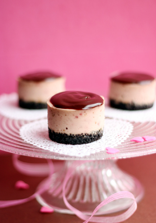 Mini Chocolate Covered Strawberry Cheesecakes ...