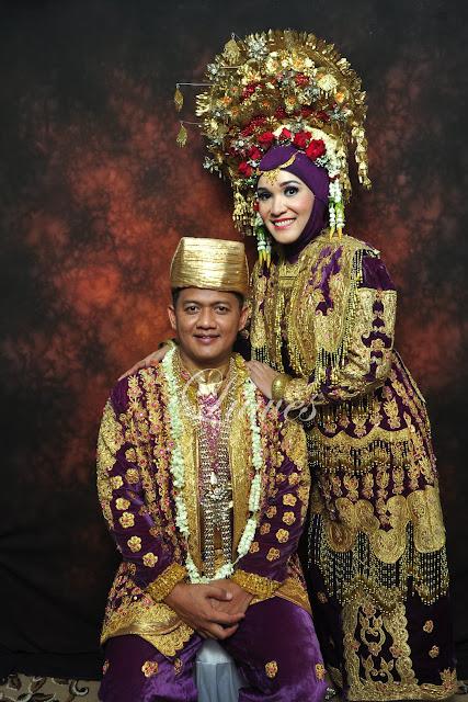 Rias pengantin adat padang sumatra
