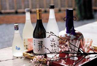 El sake «belleza oriental», alabado por Putin durante su visita a Japón, desapareció de las tiendas y almacenes en pocos días