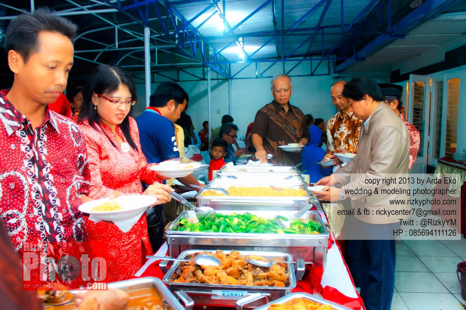 Lihat Fotografer Surabaya Prewedding Dokumentasi Wedding: Jasa Foto Wedding Surabaya